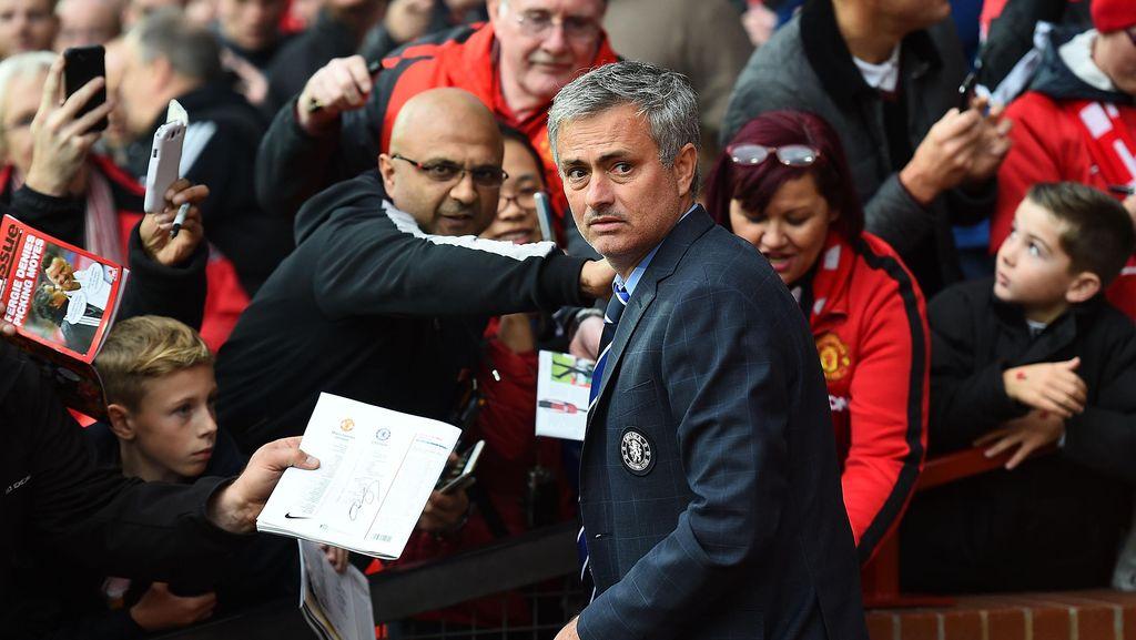 Mourinho Mulai Nikmati Jabatannya sebagai Manajer MU