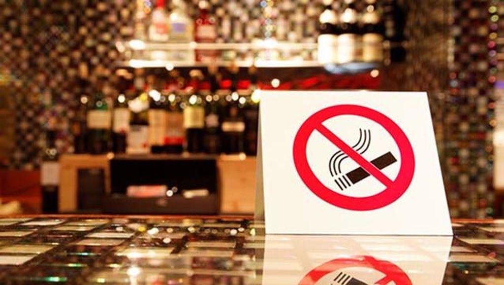 Pengunjung Bau Rokok Dilarang Masuk Restoran Kari Ini