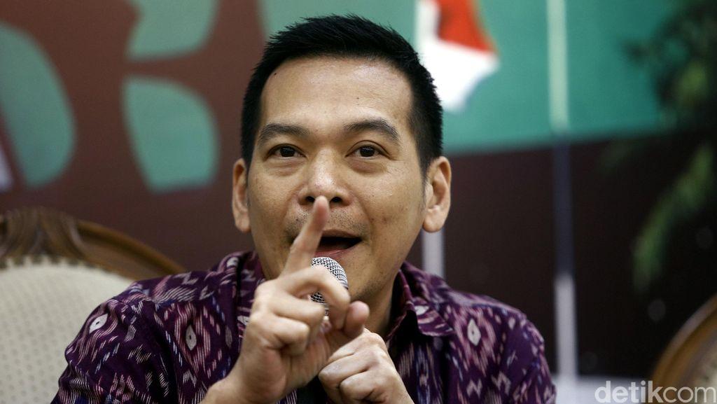 Dibajak, Akun BBM Anggota DPR Dipakai Pinjam Duit