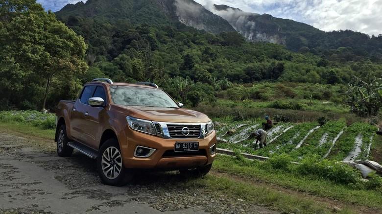Mengintip Proses Produksi Mobil Pikap Nissan Navara