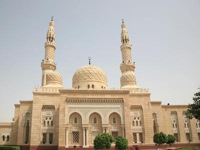 Jumeirah Dubai & 6 Masjid Tercantik di Timur Tengah