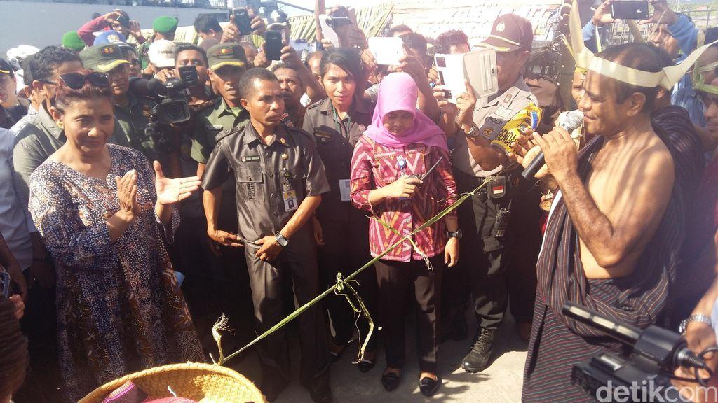 Tempuh Perjalanan 26 Jam, Menteri Susi Disambut Riuh Nelayan di Lembata