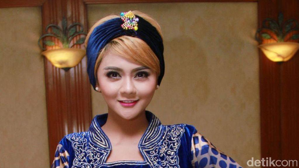 Jenita Janet Berharap Bisa Nyanyi di Pernikahan Anak Jokowi
