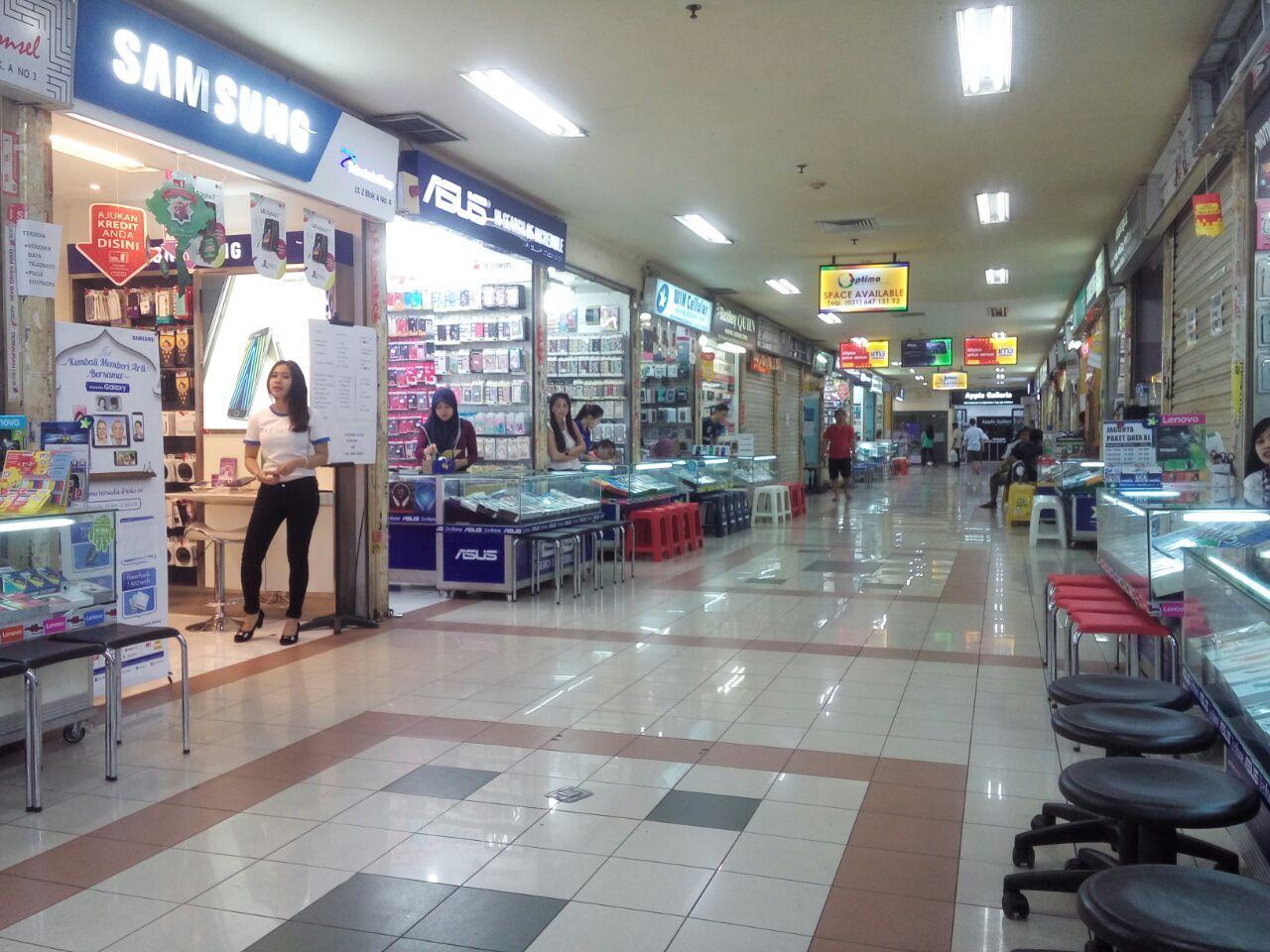 Begini Penampakan Sepinya Mall Ambasador