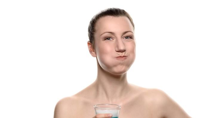 Penelitian terbaru yang dilakukan Kings College London menemukan bahwa menikmati teh buah terlalu lama dapat meningkatkan risiko pengikisan pada enamel gigi. Foto: ilustrasi/thinkstock