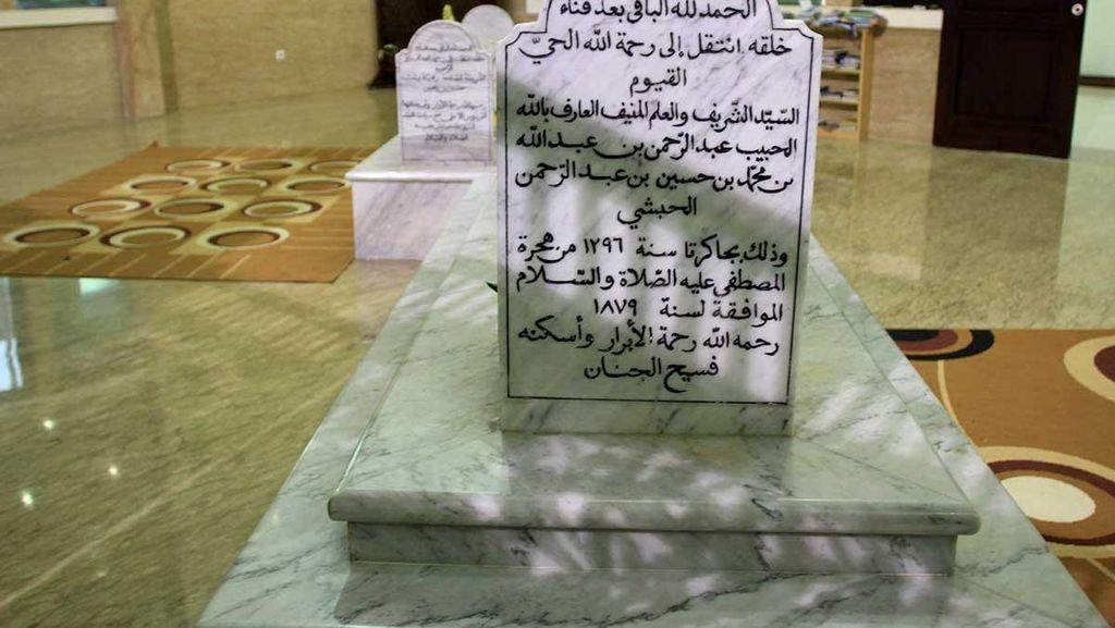 Mengenal Makam & Kisah Syiar Islam Habib Cikini di Batavia