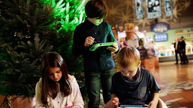 Kacanduan gadget juga menjangkiti anak-anak