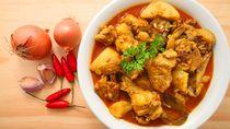 Sedapnya Menyantap Gulai Ayam dan Nasi Hangat di 5 Tempat Ini