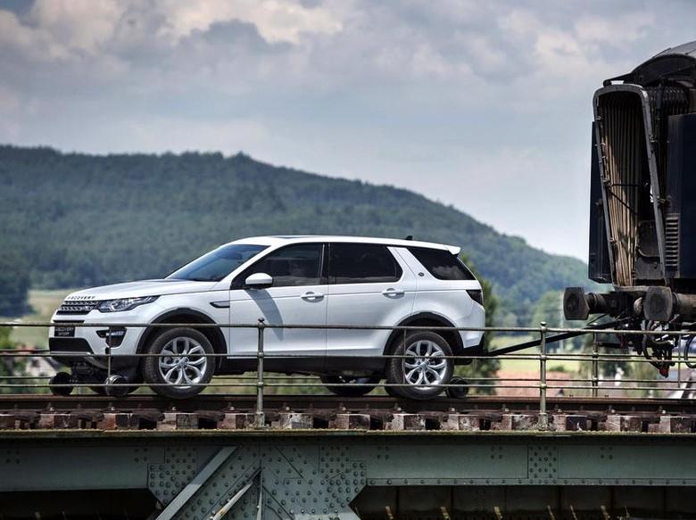 Mobil Range Rover, Discovery Bakal Naik Kelas