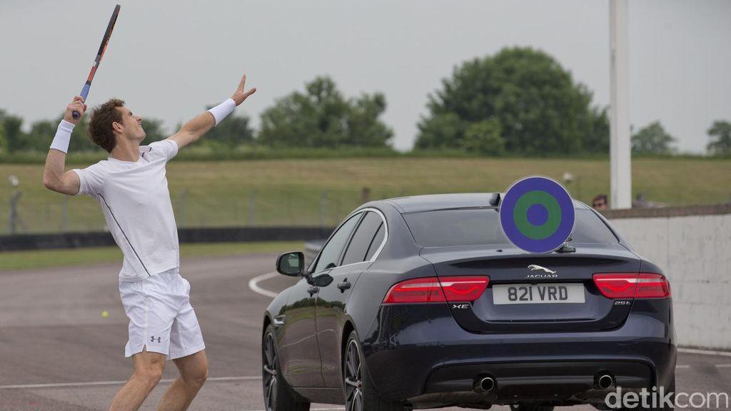 Andy Murray Main Tenis Lawan Mobil Jaguar