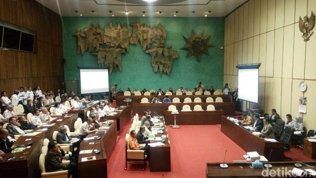 Bahas APBN-P, 3 Menteri Jokowi Merapat ke Komisi V DPR