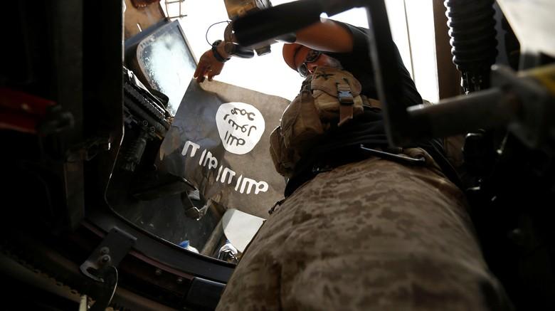 Jet Tempur Irak Bombardir Posisi ISIS di Suriah