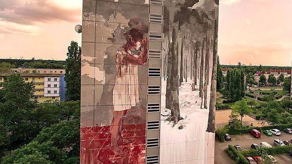 Mural Berdarah di Berlin Tuai Kontroversi