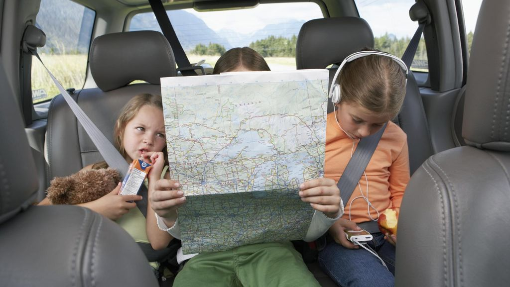 Agar Perjalanan Mudik yang Lama Terasa Menyenangkan Bagi si Kecil, Ini Tipsnya