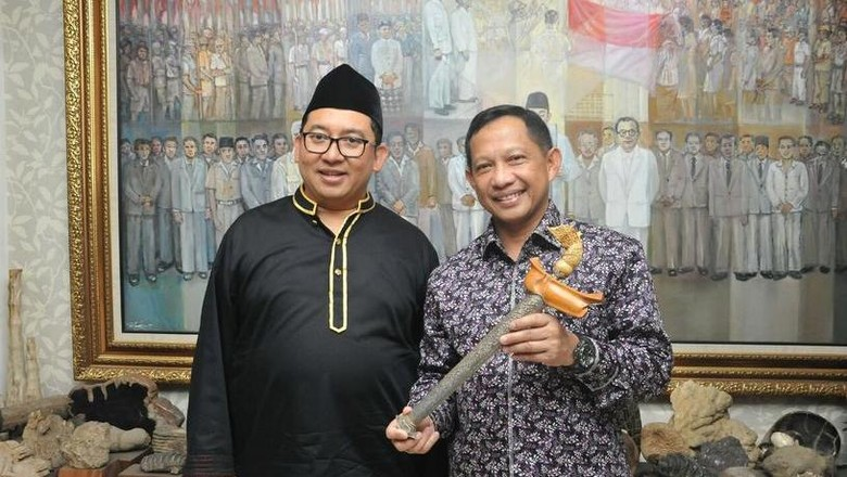 Keris dari Fadli Zon Disimpan Komjen Tito di BNPT, Bukan untuk Pribadi