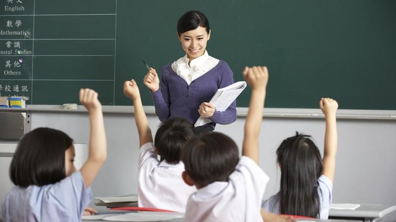 Tuntut Kenaikan Gaji, Ribuan Guru di Amerika Mogok Mengajar
