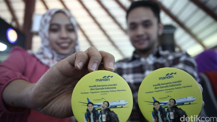 Mudik Bareng Mandiri merupakan hasil kolaborasi sinergis antara Bank Mandiri dengan sesama BUMN yaitu Garuda Indonesia.