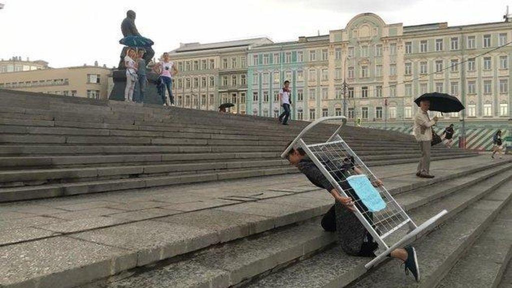 Respons Penganiayaan di Panti Asuhan, Seniman Rusia Protes Selama 21 Hari