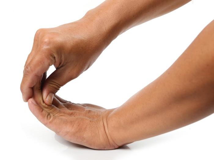Ilustrasi gemeretakkan jari tangan (Foto: thinkstock)
