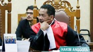 Binsar, Hakim yang Usul Tes Keperawanan Kini Tatap Kursi Hakim Agung