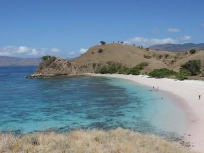 Shio Macan, Saatnya Liburan ke 5 Pantai Cantik Ini!