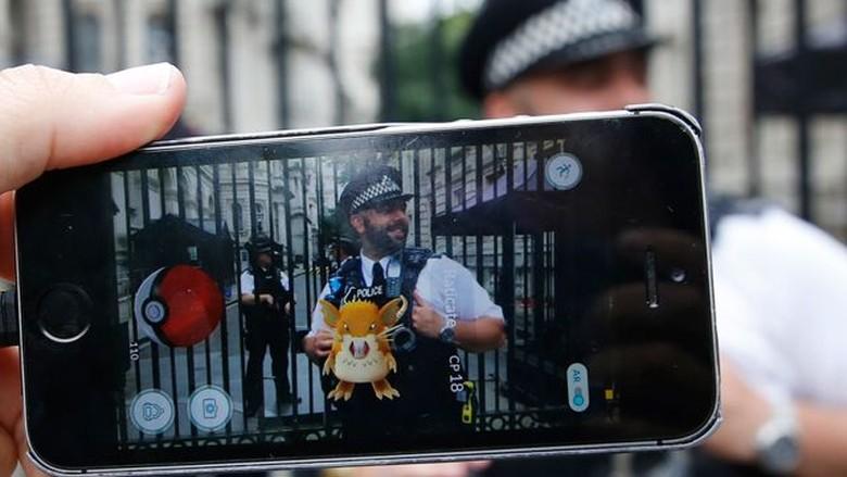 Disangka Pencuri Saat Bermain Pokemon Go, Dua Remaja Ditembak