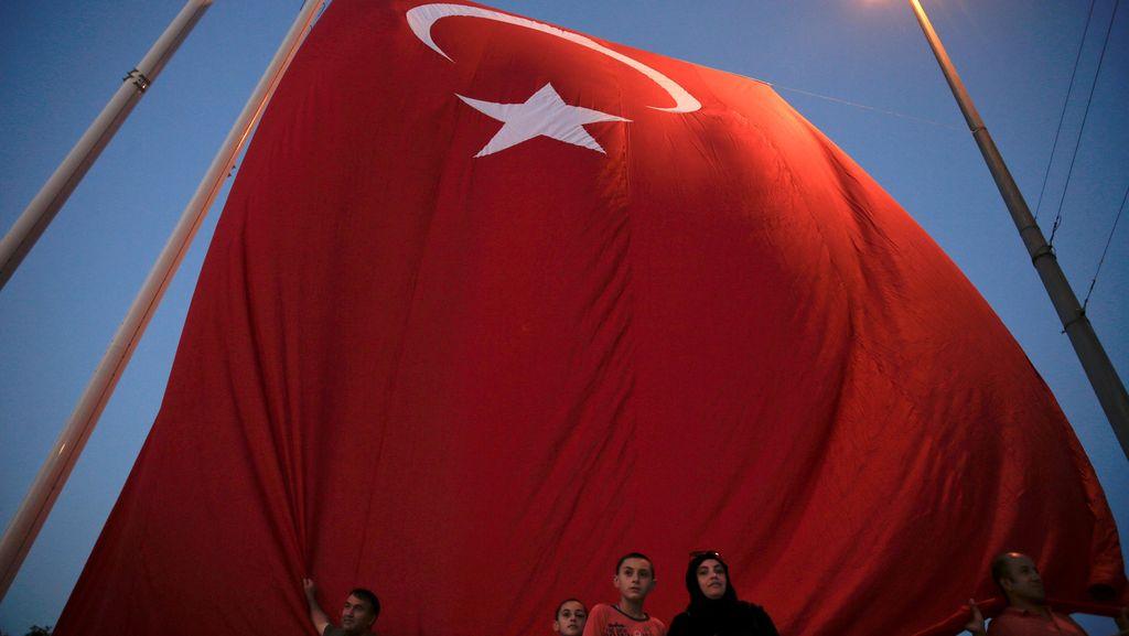 Kabur ke Yunani Usai Percobaan Kudeta, 8 Tentara Turki Diadili