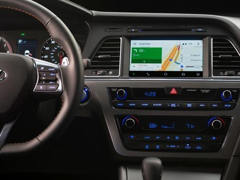 Apa Bedanya Android Auto dan Android Automotive?