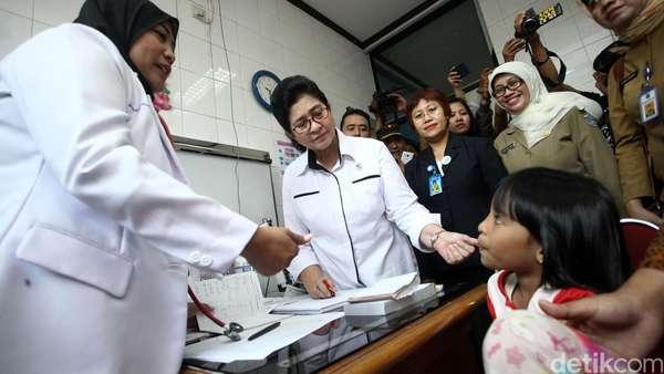 Kementerian Kesehatan: Oknum yang Salah Vaksinasi Kami Serahkan ke Polisi