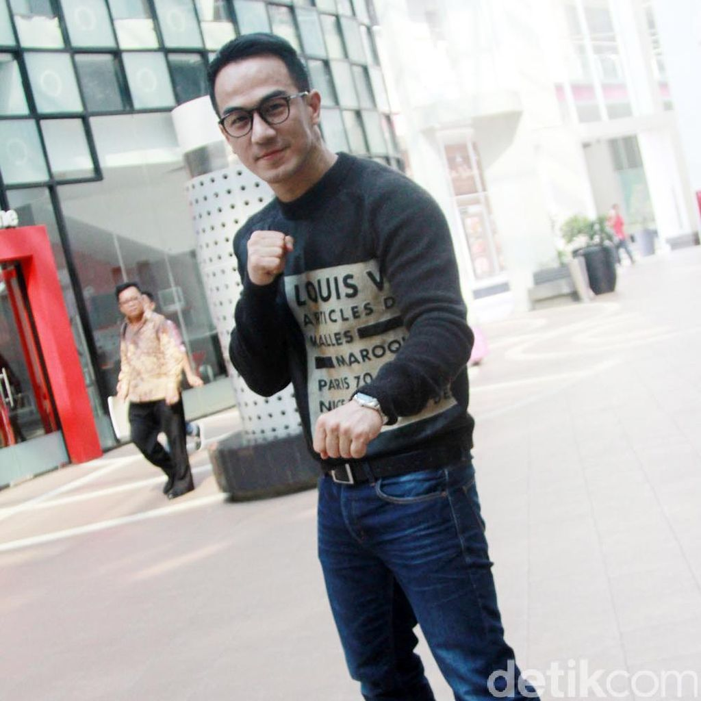 Joe Taslim Disiksa Make Up dan Kostum di Star Trek Beyond