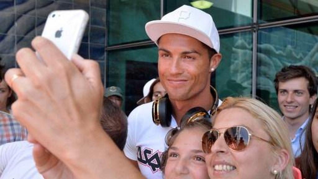 Saat Ronaldo yang Hanya Bercelana Dalam Terkunci di Luar Kamar Hotel