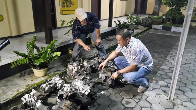 Puluhan Gelondong Mesin dan Kerangka Motor Diduga Hasil Kejahatan Diamankan