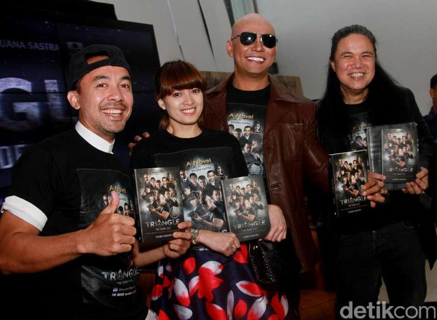 Rilis Novel, Deddy Corbuzier Gandeng Chika Jessica