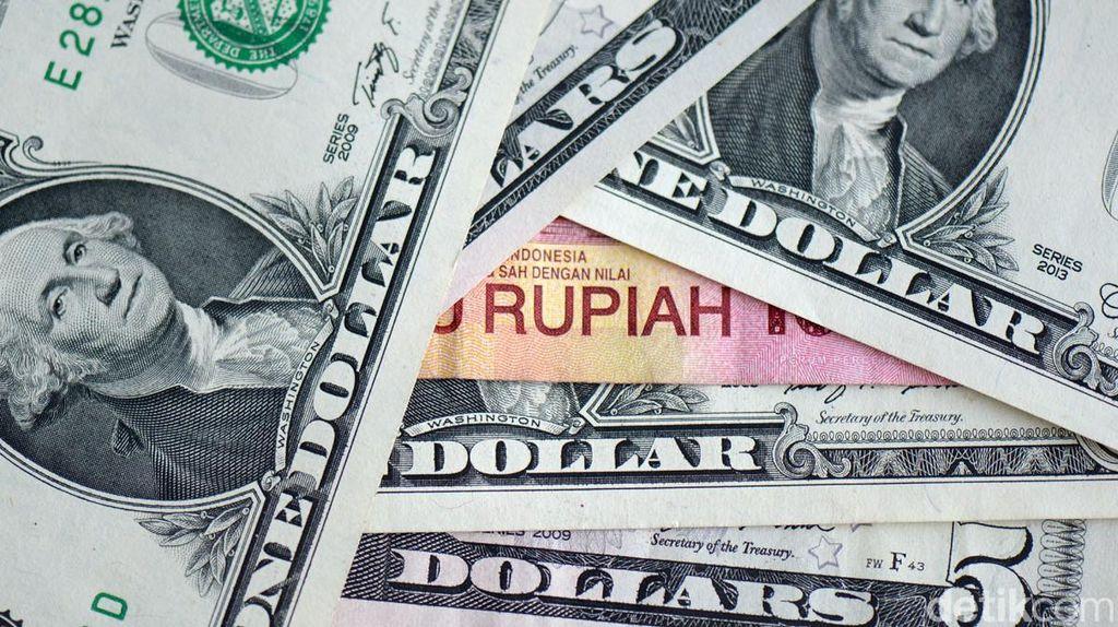 Dolar AS Sempat Tembus Rp 13.600