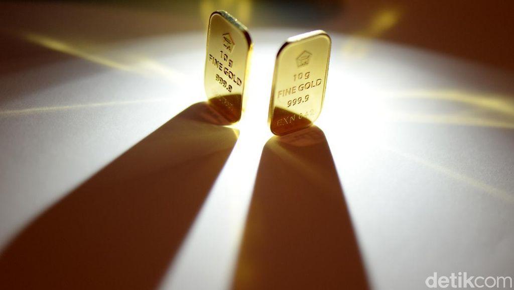 Dolar AS Melesat, Bagaimana Harga Emas?