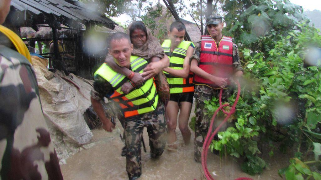 Korban Tewas Banjir Nepal dan India Bertambah Jadi 175 Orang