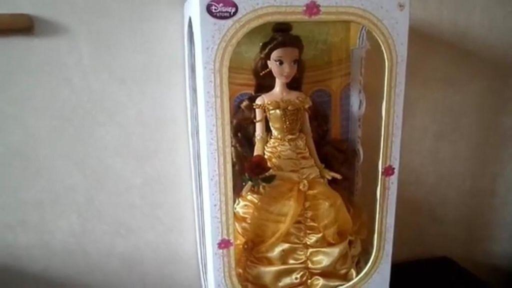 Pemuda Ini Habiskan Rp 260 Juta Demi Mengoleksi Boneka Disney Princess