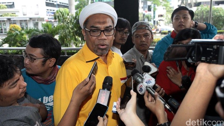 Soal Posisi Politikus Golkar Sebut - Jakarta Politikus Golkar Ali Mochtar Ngabalin menyebut ada sekitar dewan pimpinan daerah yang mulai mendorong digelarnya Dorongan ini