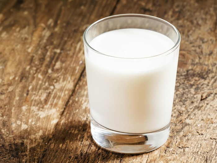 Saran ahli gizi untuk pecinta susu yang punya badan berlebih/Foto: thinkstock