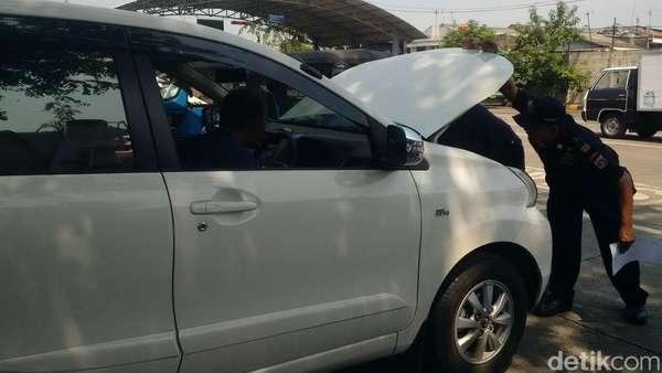 <i>Driver</i> Taksi Online Minta Dilibatkan Bahas Kuota
