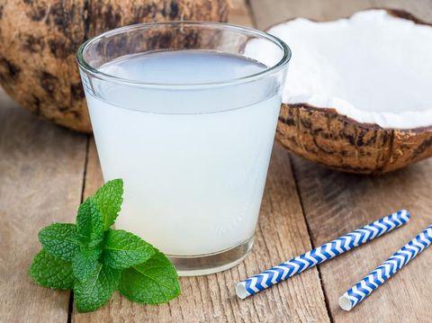 Manfaat air kelapa untuk ibu hamil/