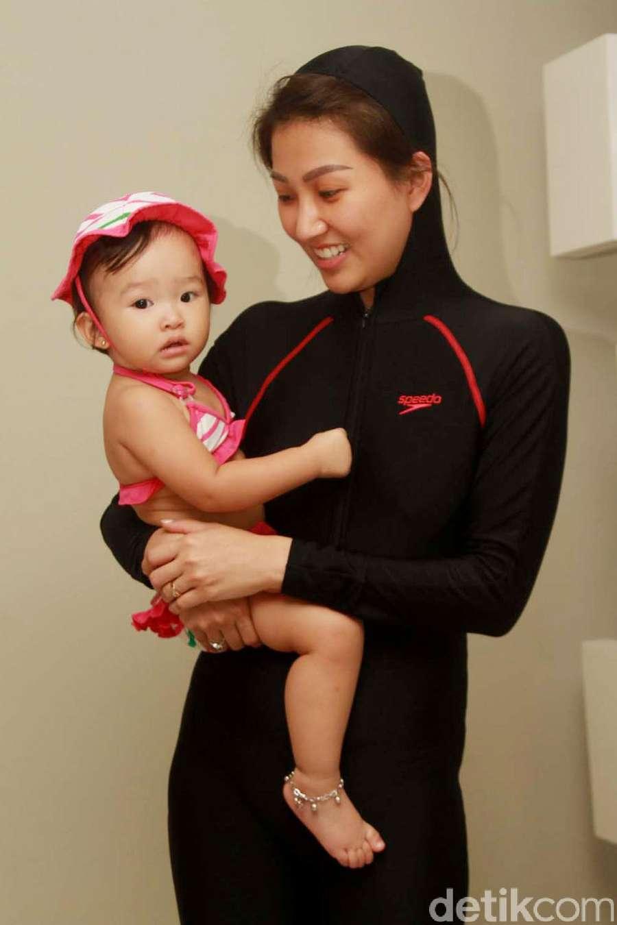 Cute! Putri Ruben Onsu dan Sarwendah Berbikini