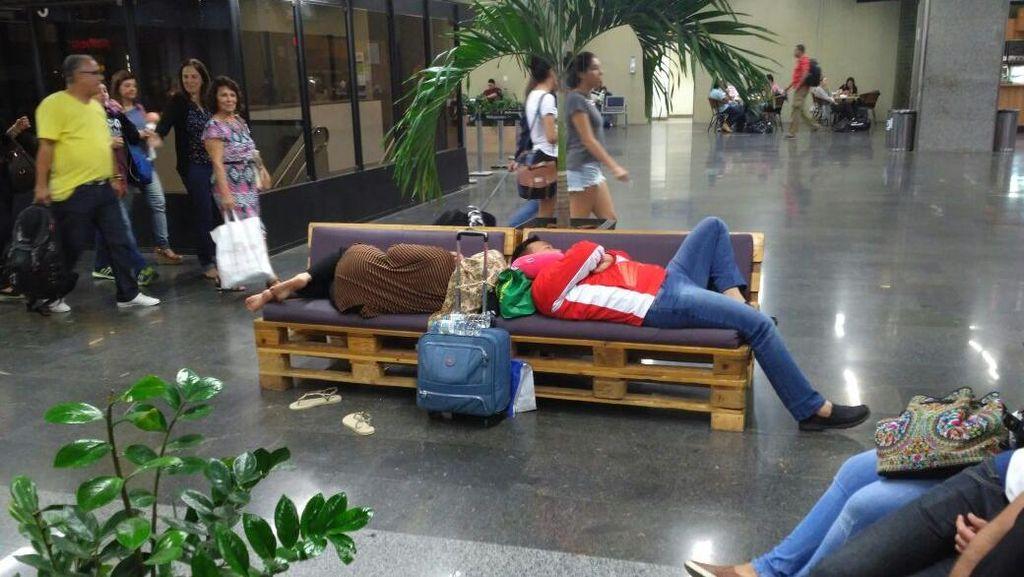 Menggelosor di Bangku Bandara dan Sisi Lain Imam Nahrawi