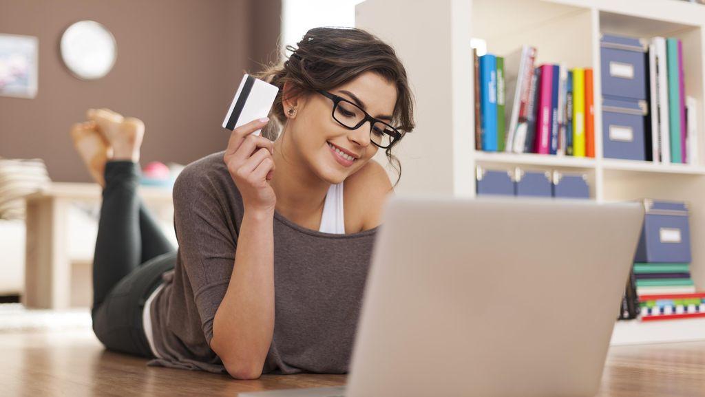 Siapa Ojek Online dan e-Commerce Terfavorit?
