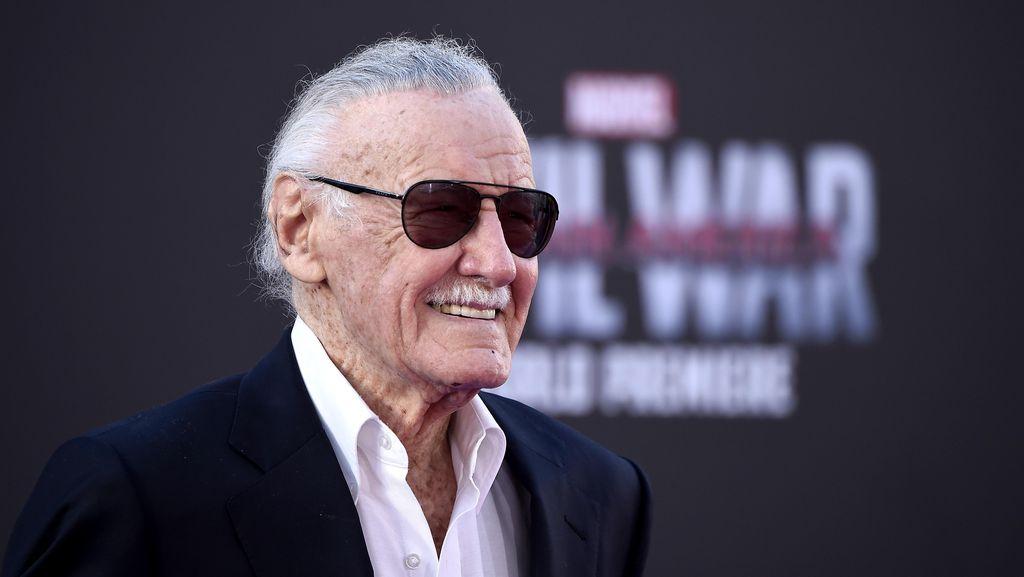 Stan Lee Dilarikan ke Rumah Sakit Hebohkan Netizen