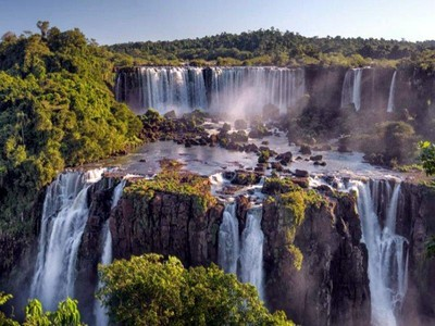 Air Terjun Super Keren Pemisah Argentina dan Brasil