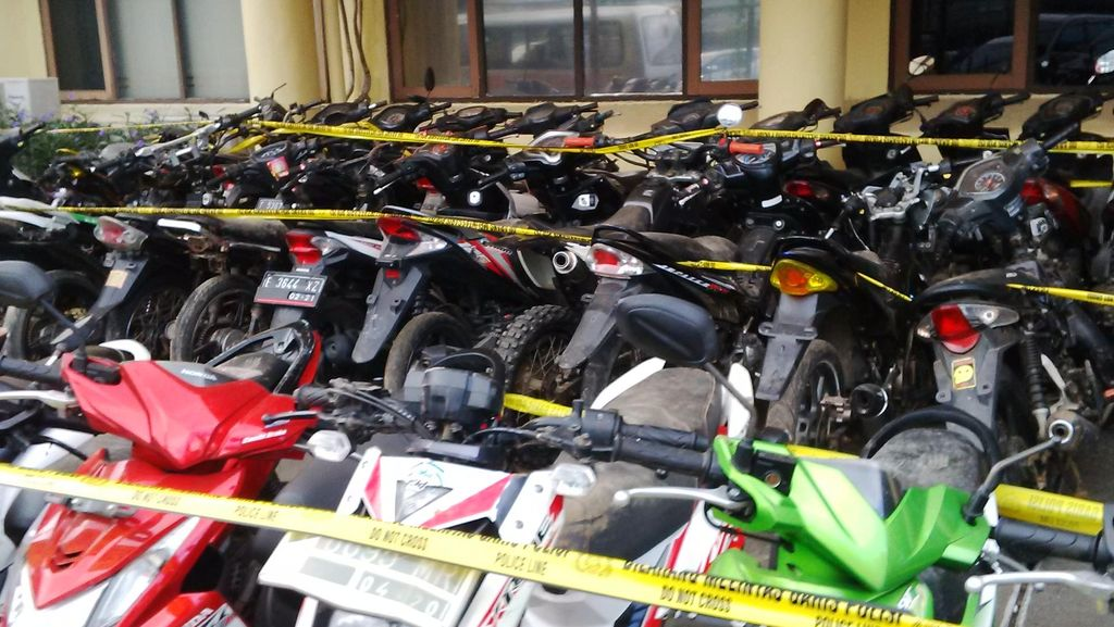 Motor Bodong Murah Dijual Lewat Facebook