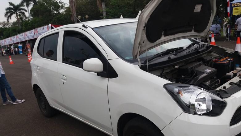 Tarif Murah Taksi Online Hasil Bakar Uang Investor?