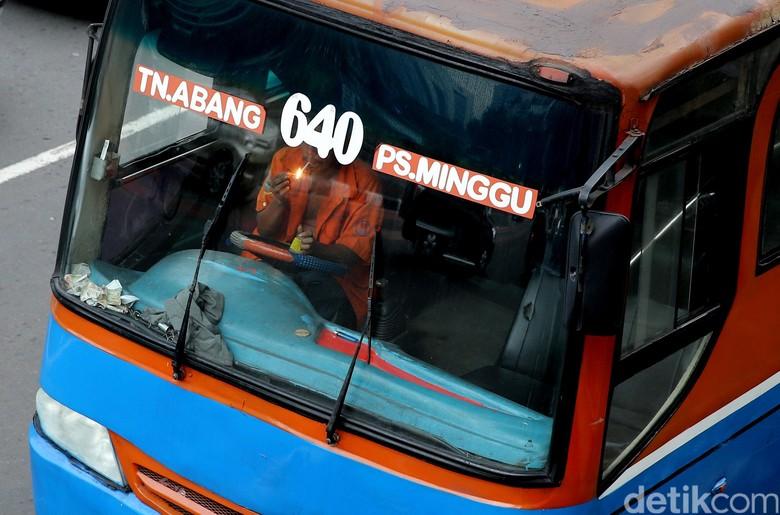 Nasib Metromini Setelah 2018: Dihancurkan atau Jadi Besi Rongsok