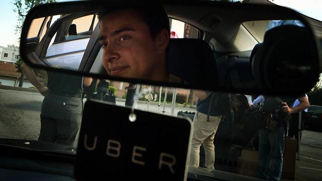 Driver Taksi Online Bukan Sopir Pribadi